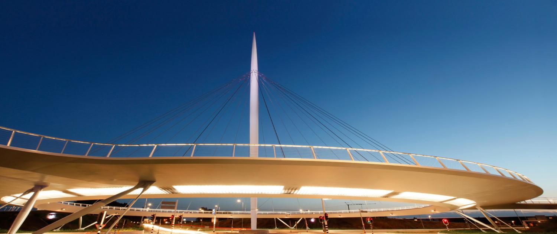 hovenring pyloonbrug met cirkelvormig dek, brugontwerp door ipv Delft