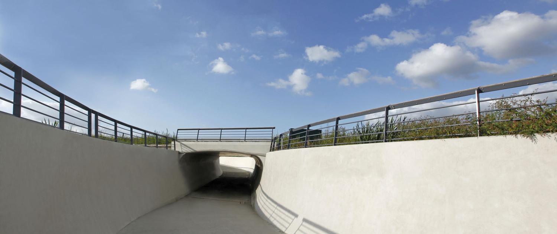 fietstunnel brug Gouda beton, fietstunnel onder N207