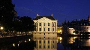 Verlichting Mauritshuis Den Haag, 's avonds verlicht, lichtontwerp door ipv Delft
