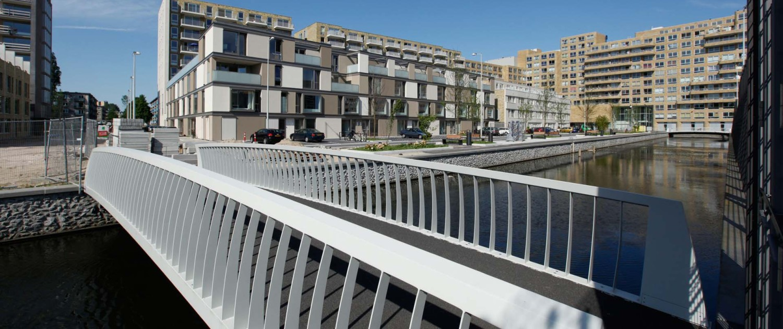 voetgangersbrug Laan van Spartaan Amsterdam chique uitstraling
