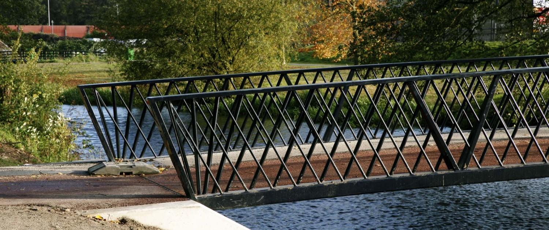 bijzonder dragend hekwerk vervlochten V-vormige kniksteunen bruggen Park Randenbroek Amersfoort
