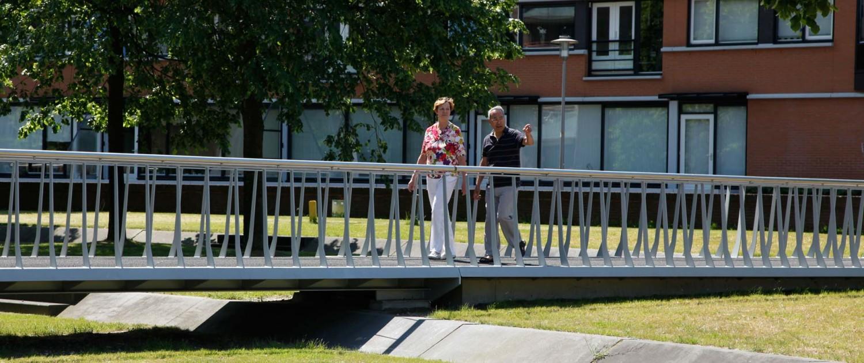 comfortabele voetgangersbrug Koningshaven Apeldoorn