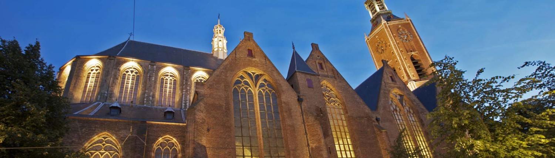 aanlichting Grote Kerk Den Haag ledverlichting accentueert gotische kenmerken