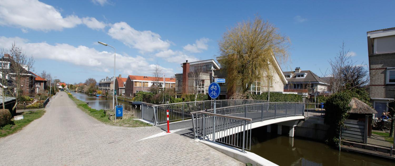 beperkt budget verzorgde fietsbrug, simpel brugontwerp door ipv Delft