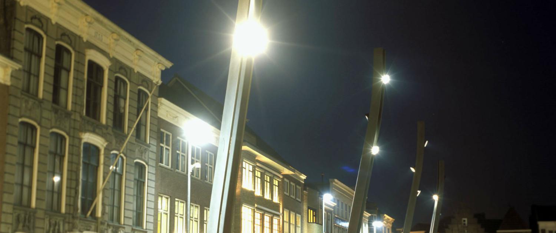 Verlichting lichtmasten Grote Markt Goes stalen masten