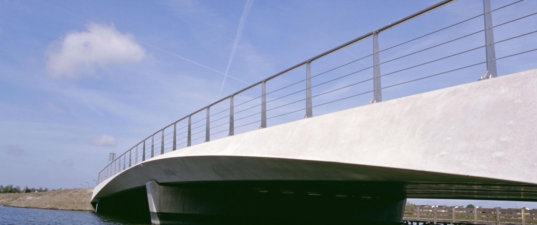 verkeersbrug Heerhugowaard-Zuid nacht hoekverdraaiing randliggers