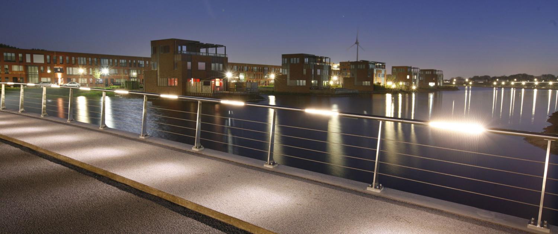 verkeersbrug Heerhugowaard-Zuid nacht geintegreerd ledverlichting ontwerp handregel