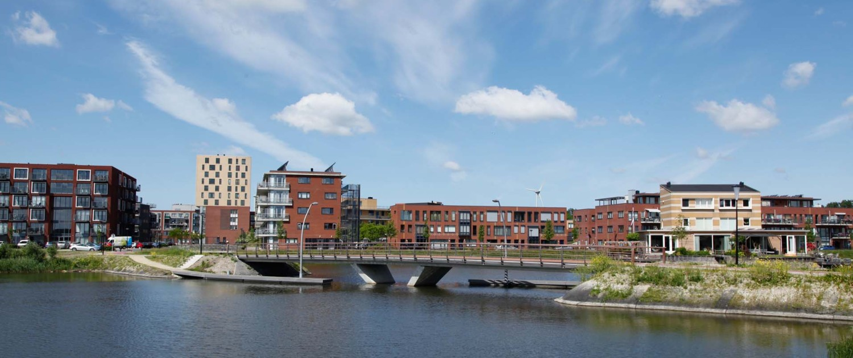 verbindende fietsbrug en loopbrug Bastion Heerhugowaard minimale doorstroomopening V-vormige tussensteunpunt