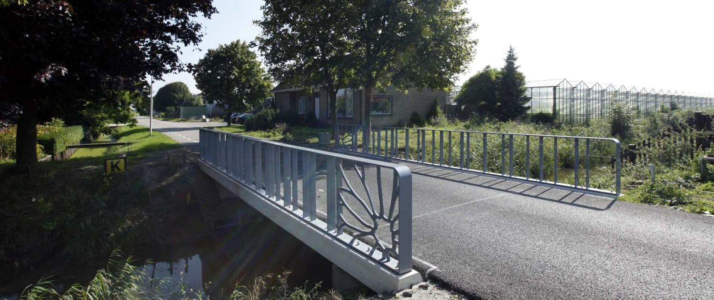 Verkeersbrug Bleiswijk Chrysantenweg uniek ontwerp, brugontwerp door ipv Delft