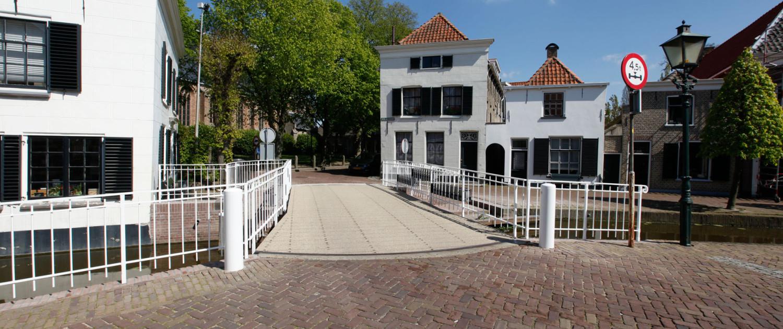 draaibrug hersteld in oude glorie metselwerk gerestaureerd, renovatie door ipv Delft