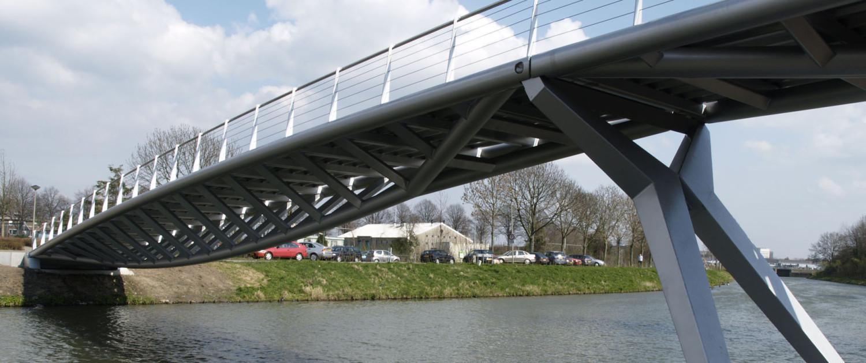 brug Boschpoort Maastricht steunpuntvrije ondergrond bij water