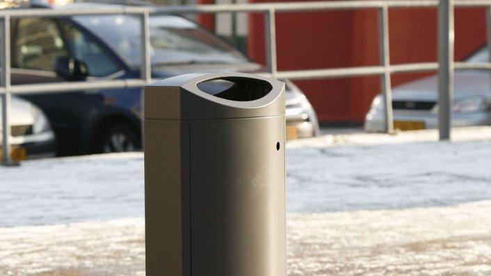 gebruiksvriendelijke aluminiumkleurige afvalbakken Rotterdam met Rotterdamse uitstraling in stad