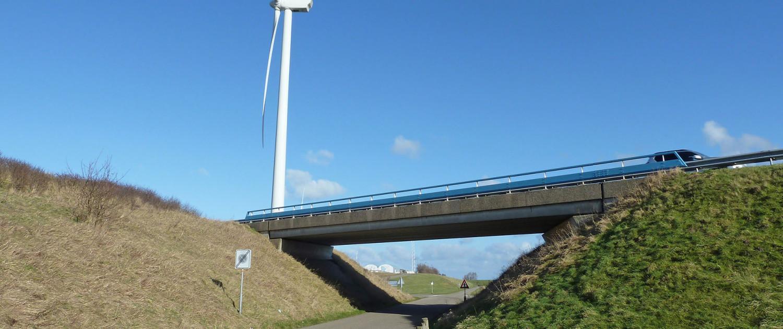 simpel brugontwerp door ipv Delft, Rijkswaterstaat, Viaduct over Jacobaweg N57