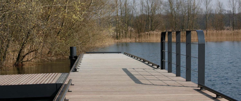 steiger T58 Tilburg stalen constructie met houten dek