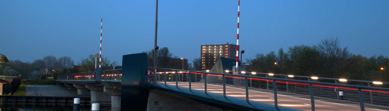 verbindingsbrug Kadoelenbrug Amsterdam verlichting nacht