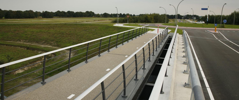 verkeersbrug Delftlanden Emmen stalen brugdek voor fietsers en voetgangers