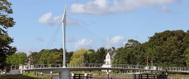 beweegbare fiets en voetgangersbrug Rijnschiekanaal Rijswijk, ontwerp door ipvDelft
