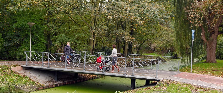 super slanke UHSB fiets- en voetgangersbrug Pijnacker