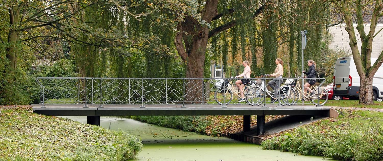 zijaanzicht Ultra Hoge Sterkte Beton standaardbrug Pijnacker fietsovergang