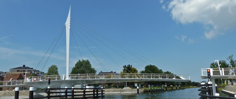 beweegbare Draaibrug De Oversteek Rijswijk slank staal in innovatief concept