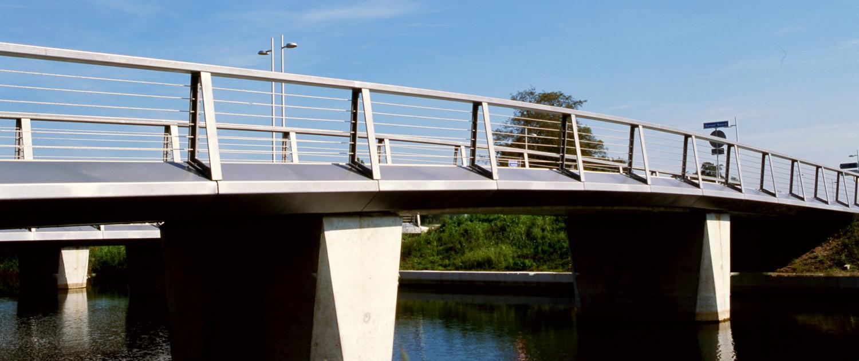 voetgangersbrug verkeersbrug fietsbrug NoordOostPoort Apeldoorn beweegbare brug optie studie betonnen steunpunten