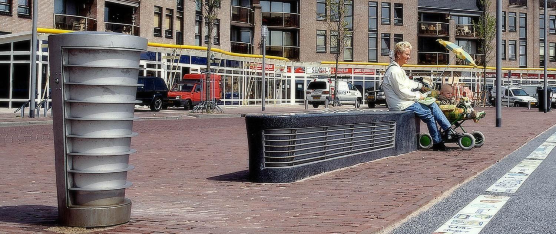 Almere Haven vormtaal straatmeubilair ontwerp openbare ruimte afvalbakken en zitelementen
