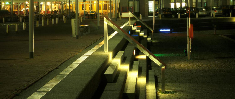 Almere Haven vormtaal straatmeubilair lichtarchitectuur aanlichting zitelement trap