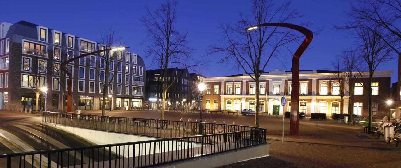 sierlijke stalen lichtmasten van 12 meter hoog voor Alkmaar
