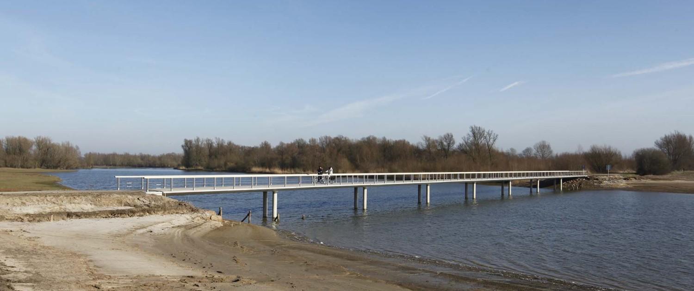 brug in beton, hydrodynamische brug, duurzame brug, brugontwerp in Fortmond Olst door ipv Delft