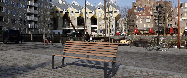 SROI lattenbank met rugleuning in Rotterdam