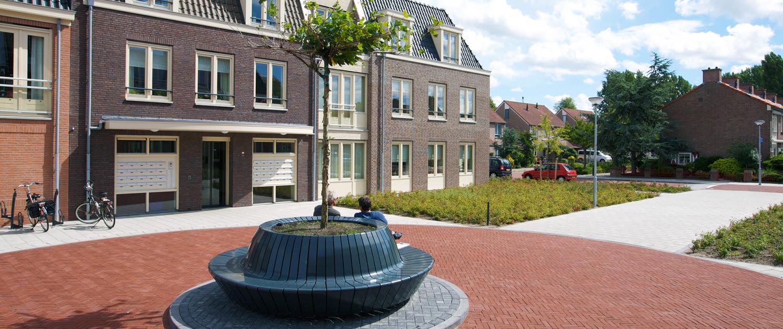 boombak bank Heemskerk winkelcentrum ipv Delft Nationale Bomenbank en Jan Kuipers Nunspeet beluchtings- en bewateringssysteem betonnen binnenbak met een stalen exterieur