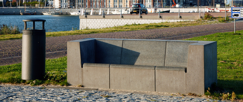 kustzone Lelystad buitenstijl bank beton comfortabel robuust