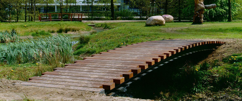 openbare ruimte Park Presikhaaf eenvoudige robuuste bruggen voetgangersbruggen