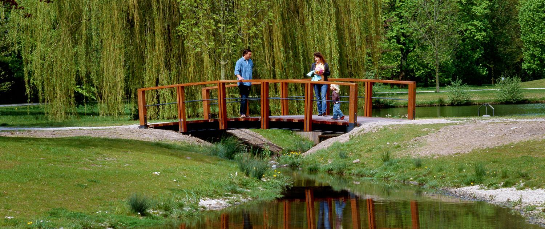 openbare ruimte Park Presikhaaf eenvoudige robuuste bruggen voetgangersbruggen houten handregel
