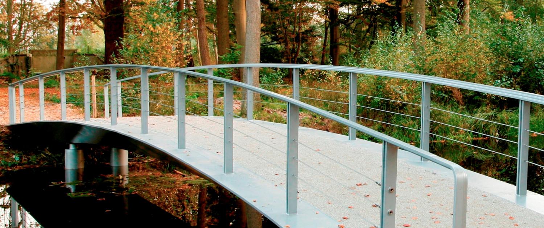 brug landgoed Broekhuizen slanke rand voetgangersbrug subtiel ontwerp