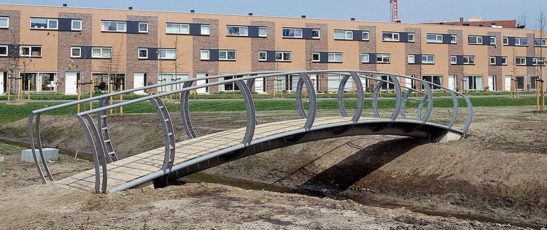 Het Jeurlink Deventer bruggen gekromd hekwerk landelijke sfeer
