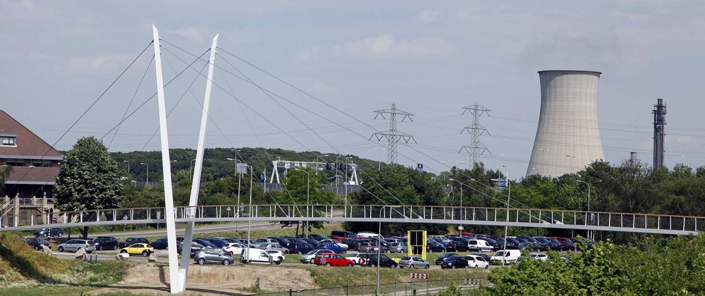 brugontwerp ipv Delft, Heidekamppark Stein, brug met slank stalen wegdek, houten handregel en asymmetrische pyloonbrug in v-vorm