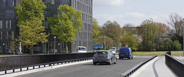 brug heysehaven, Rotterdam, verkeersrbug over het water, modern gebouwd, brugontwerp door ipv delft