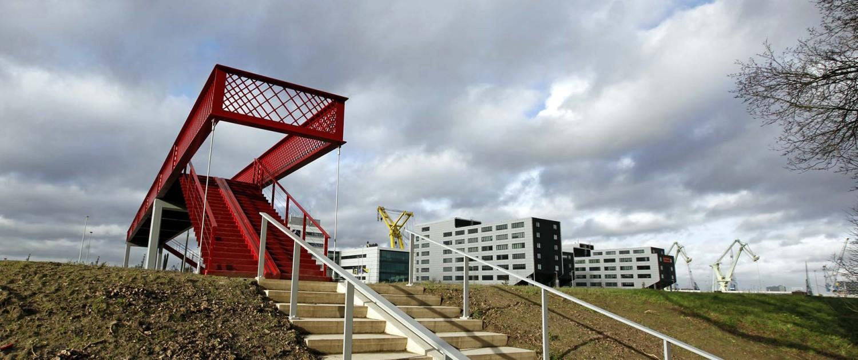 brugontwerp aantrekkelijke containerrode brug, metalen, simpele, efficiënte brug, Waalhaven, brugontwerp door ipv Delft