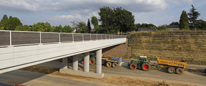 bouw van verkeersbrug over Buitenring Parkstad Limburg, brugontwerp door ipv Delft
