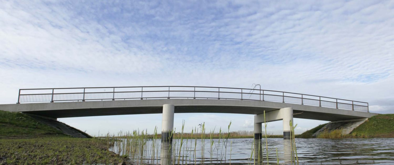 brug van brugfamillie ontpoldering Noordwaard, brugontwerp door ipv Delft