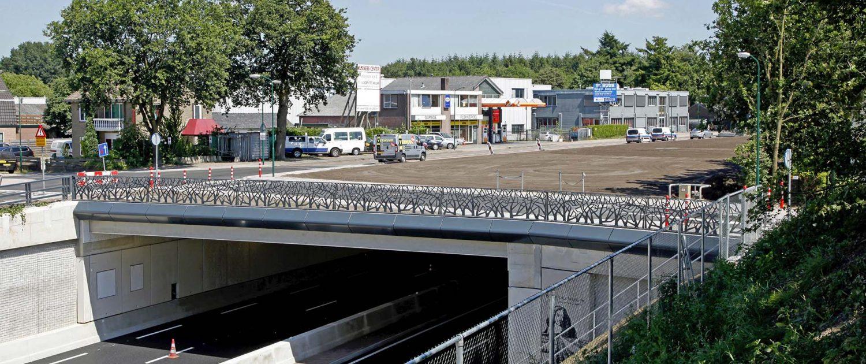 overkluizing N23, hekwerk Soesterberg, vliegtuig details in hekwerk, ontwep door ipv Delft
