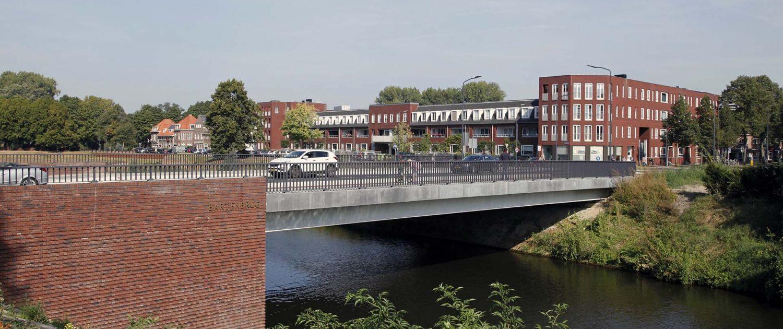 bakstenen en betonnen brug Bartenbrug in Den Bosch brugvormgeving ipvDelft