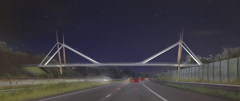ontwerp verkeersbrug 's nachts, verlichte brug over snelweg