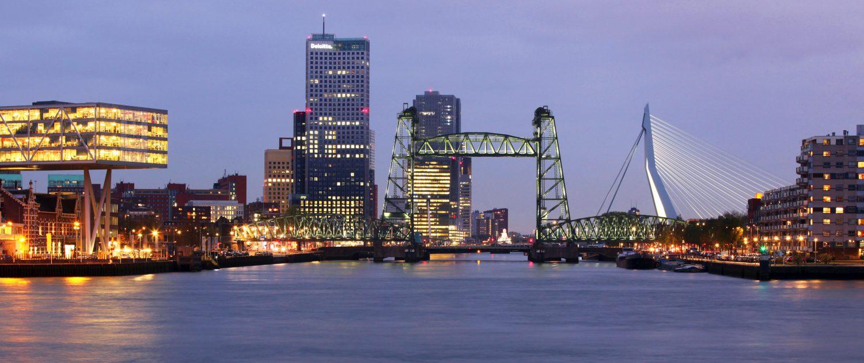 Verlichting spoorbrug De Hef Noordereiland Rotterdam