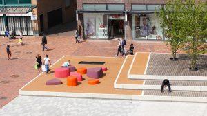 A-ROO.03_03-Nieuwe-Markt-Roosendaal-spelen-zitten-ipvDelft