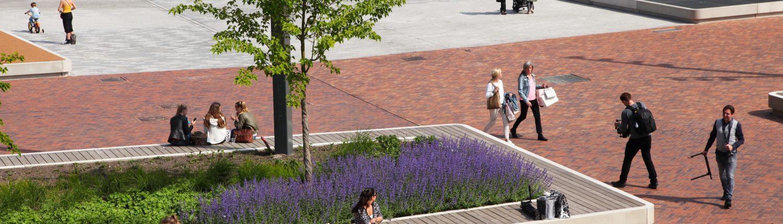 groen en zitgelegenheid op Nieuwe Markt in Roosendaal