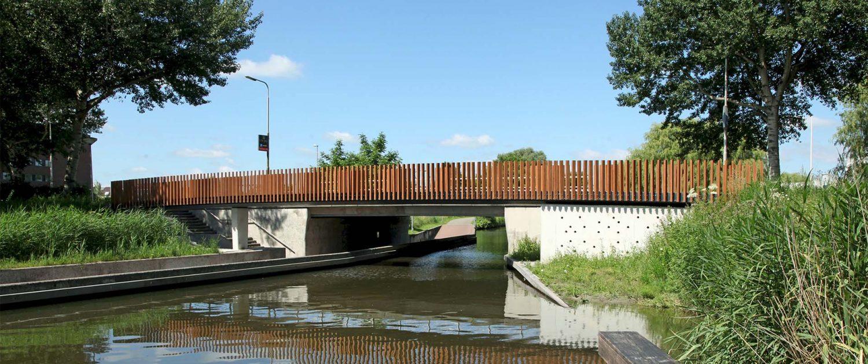 voetgangersbrug Watercampus Leeuwarden, betonbrug