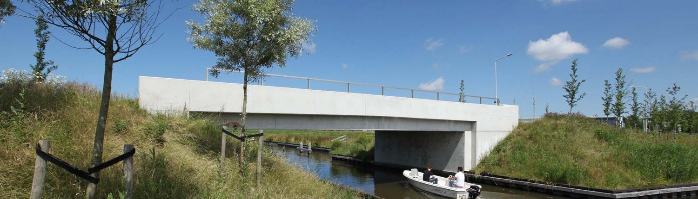 gewapend beton betonbrug, verkeersbrug Dokkum, ipvdelft