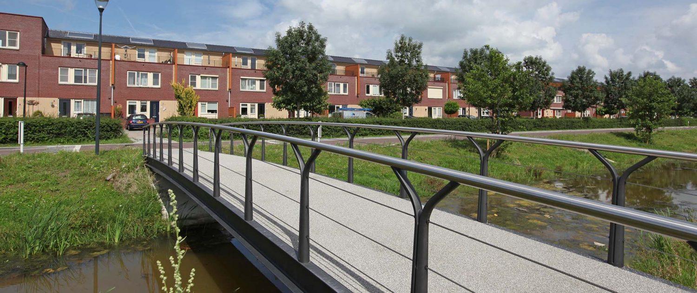 fiets en voetgangersbrug, betonbrug, woonwijk, verkeersbrug, Kampen